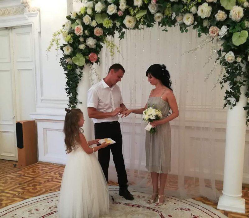 Хто у День Незалежності України відзначає нікелеве весілля?