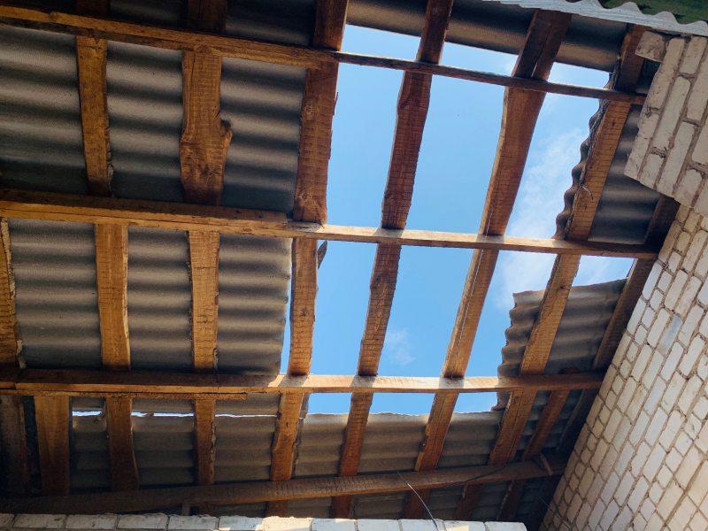 Літо прогуляли, а дах у Козачелагерській школі не відремонтували