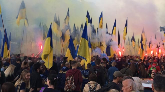 """""""Ні капітуляції"""": у Києві проходить новий багатотисячний марш"""