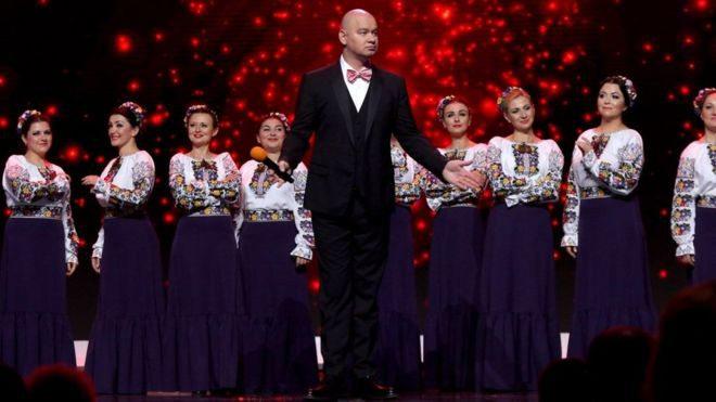 """Директор хору Верьовки вибачився перед Гонтаревою за виступ з """"95 кварталом"""""""