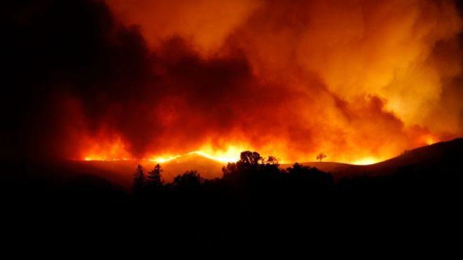 Пожежі в Каліфорнії: влада оголосила евакуацію 180 тисяч людей
