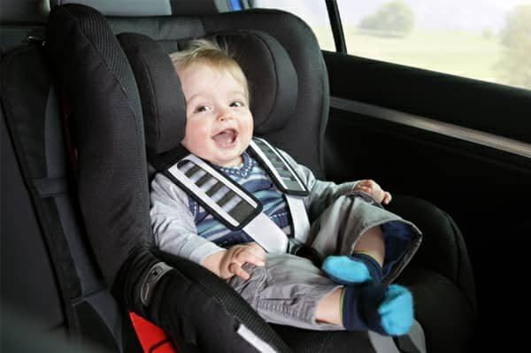 Херсонців чекає штраф за перевезення дітей в автомобілі без автокрісла