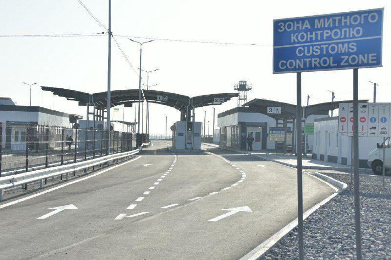 На админгранице с Крымом открыли первую очередь обновленного КПВВ «Чонгар» (фото)