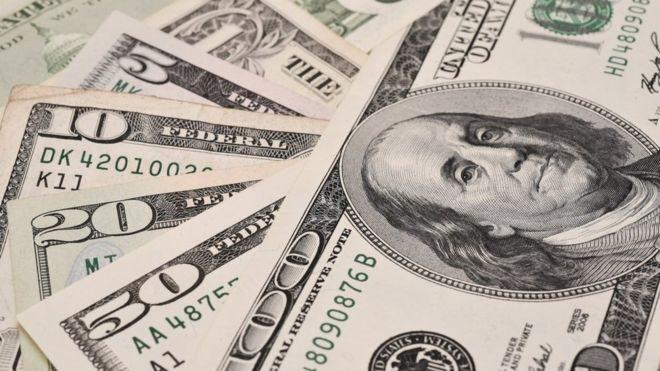 Нацбанк купив рекордну суму доларів. З чим це пов'язано?