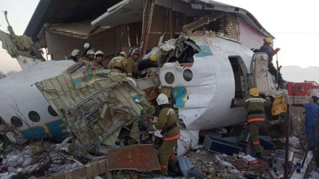Авіакатастрофа в Казахстані. Зі 100 пасажирів вижило 60
