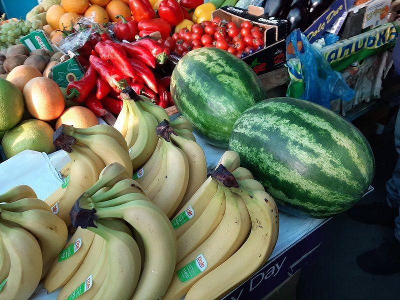 На Центральному ринку Херсона можна купити смугастого кавуна