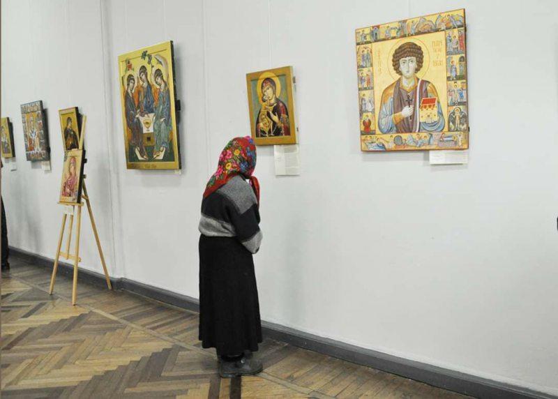 В Херсоне открылась выставка современной украинской иконы
