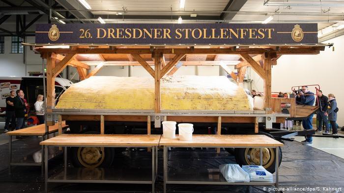 У Дрездені представили велетенський різдвяний кекс