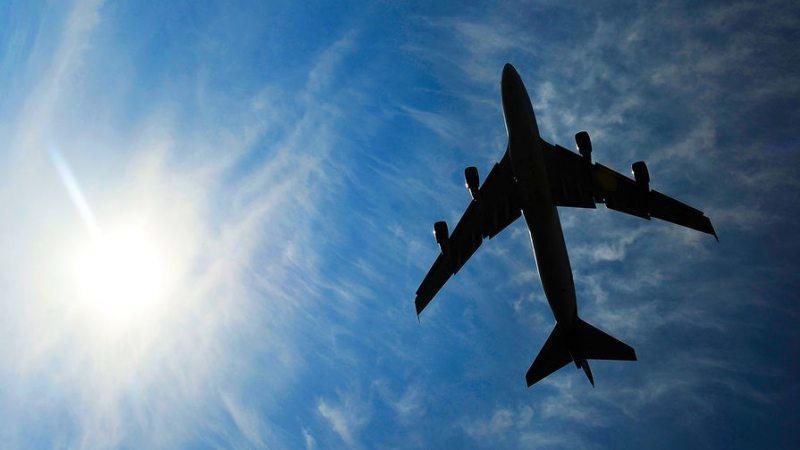 Україна призупиняє роботу авіакомпаній над небом Ірану