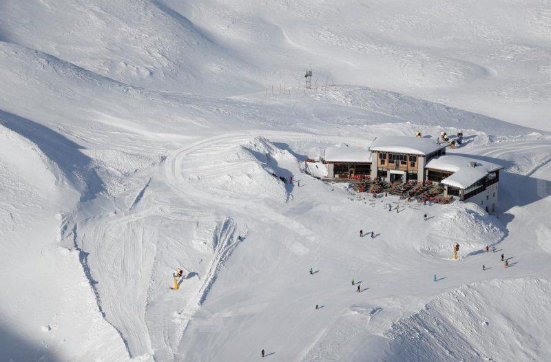 У горах Італії музиканти зіграли на інструментах з льоду