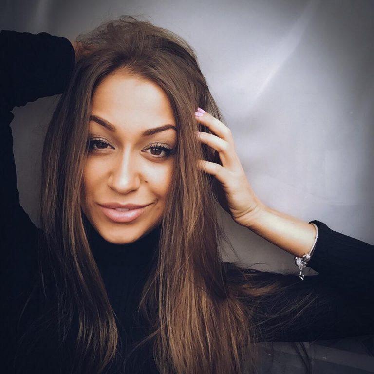 На разбившемся в Иране самолёте МАУ находилась бортпроводница Екатерина Статник из Новой Каховки
