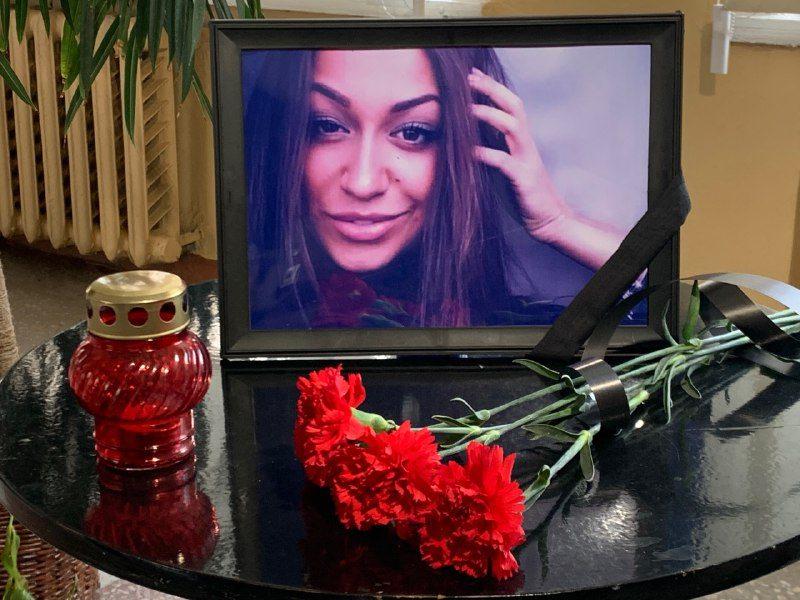 Жителі Нової Каховки в жалобі за Катериною Статник та всіма загиблими у авіакатастрофі в Ірані