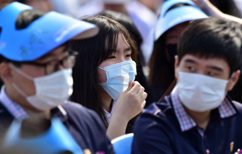 У Китаї смертельним вірусом заражено понад дві сотні людей