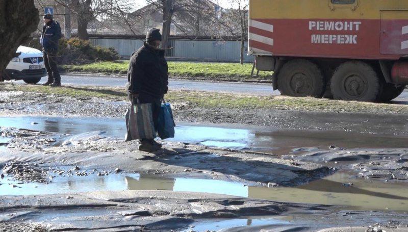 У Херсоні цілу вулицю затопило нечистотами