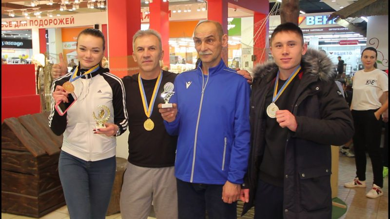 Працівники аеропорту «Херсон» змагалися за першість з настільного тенісу