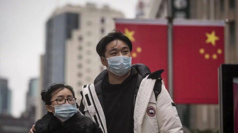 Влада Гонконгу роздасть жителям по 1 200 доларів США
