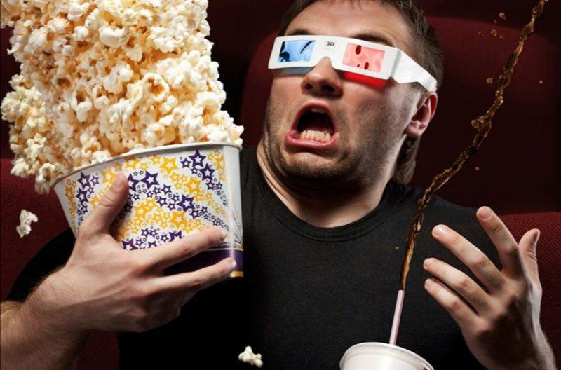 Губернатор Херсонщини запрошує усіх у кінотеатр