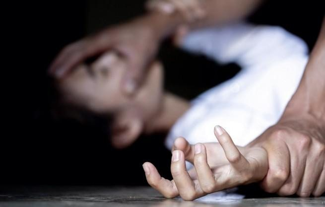 На Херсонщині чоловік опинився на лаві підсудних за ймовірне сексуальне насилля над неповнолітньою