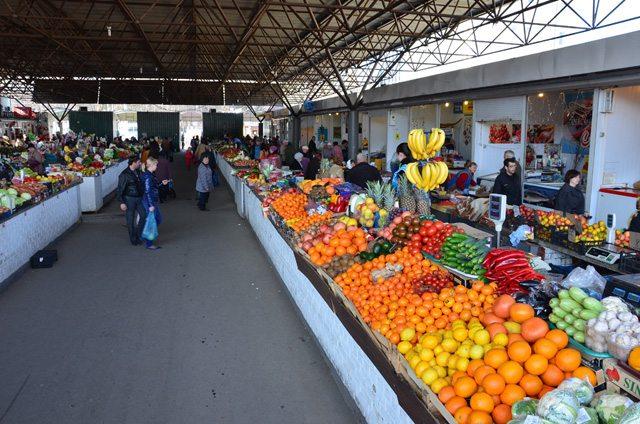 На Херсонщині припиняють працювати продовольчі ринки