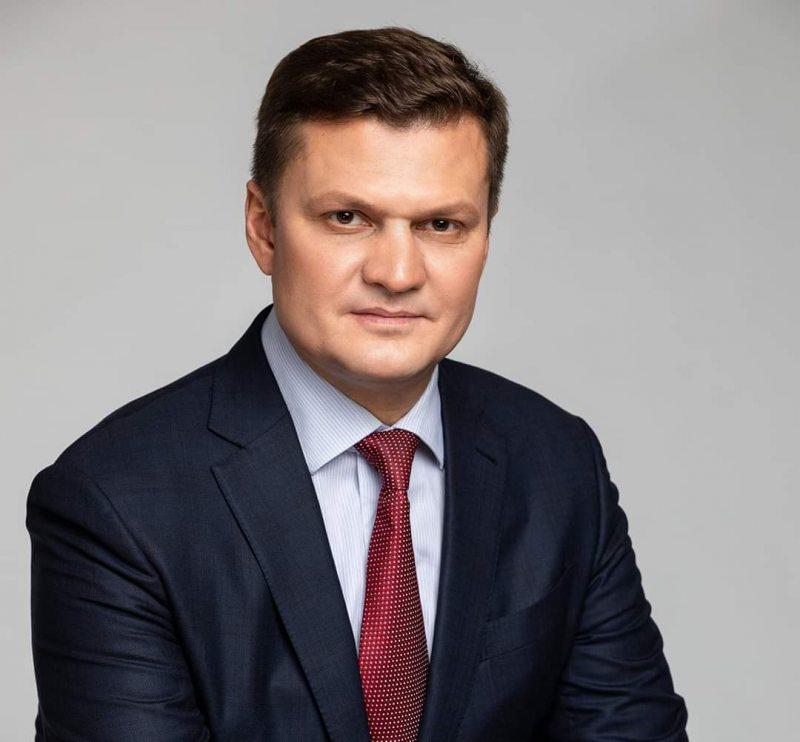 Екс-нардеп Хлань вимагає скликати позачергову сесію обласної ради