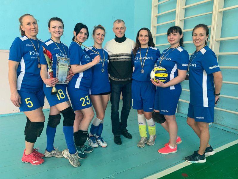Представниці аеропорту «Херсон» посіли друге місце у весняному турнірі з волейболу
