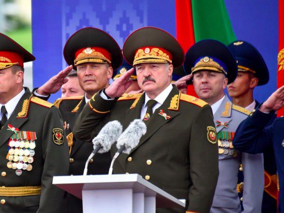 Білорусь поведе парад на 9 травня попри епідемію коронавірусу