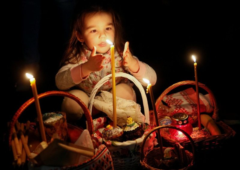 Великдень на карантині: як будуть проводити богослужіння та святити паски