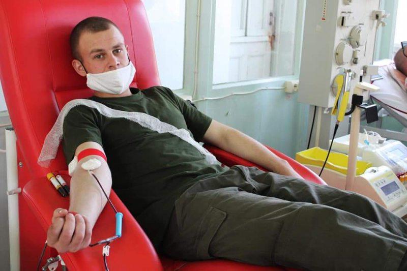 Херсонські гвардійці стали донорами крові