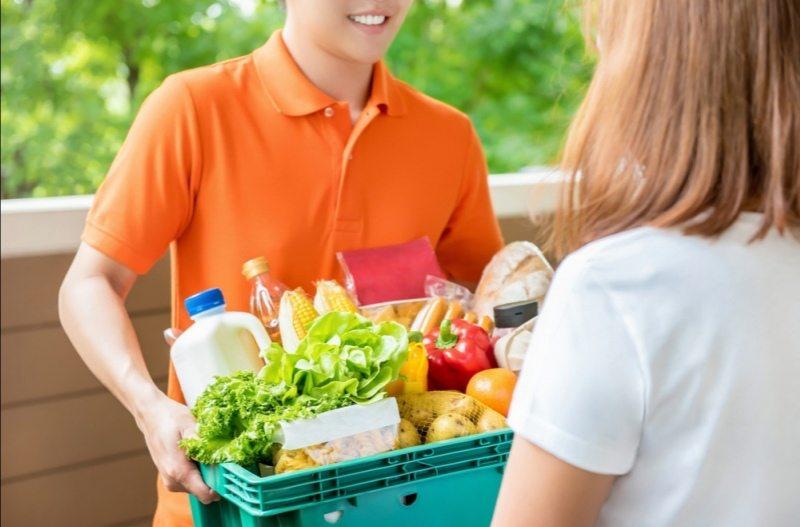 Херсонців закликають не купувати неперевірені продукти харчування