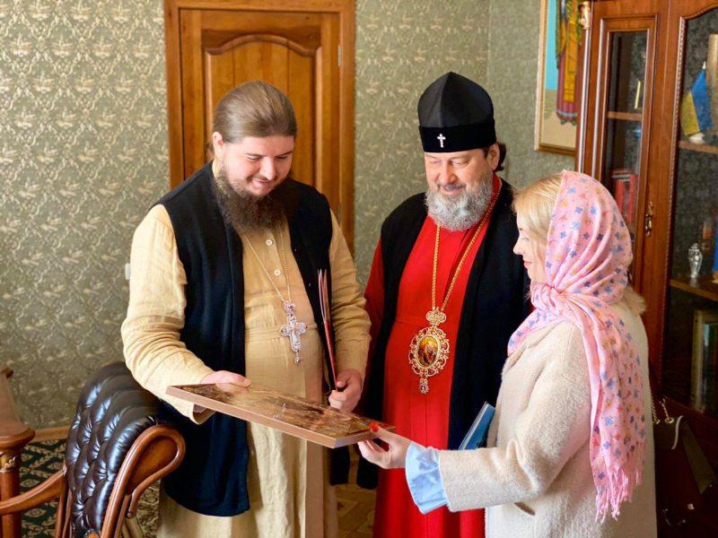 Митрополит Херсонский и Таврический Иоанн вручил церковную награду руководителю информационного ресурса