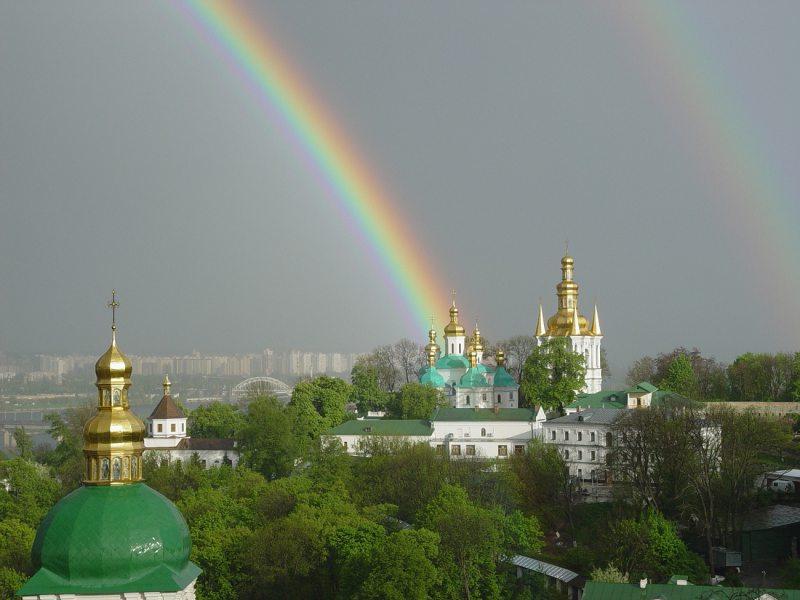 В усіх храмах та монастирях УПЦ помоляться про дарування дощу