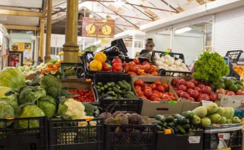 У Херсоні продовольчим ринкам дозволили працювати, але за певних умов