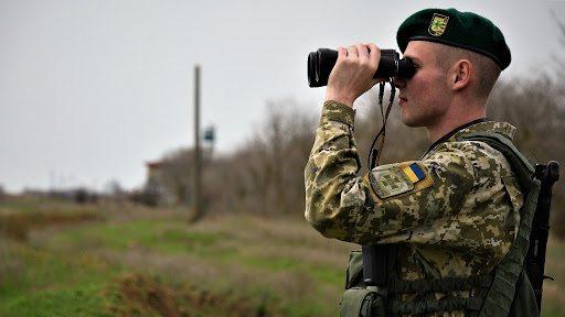 ФСБ намагалася завербувати українського прикордонника на адмінмежі з Кримом