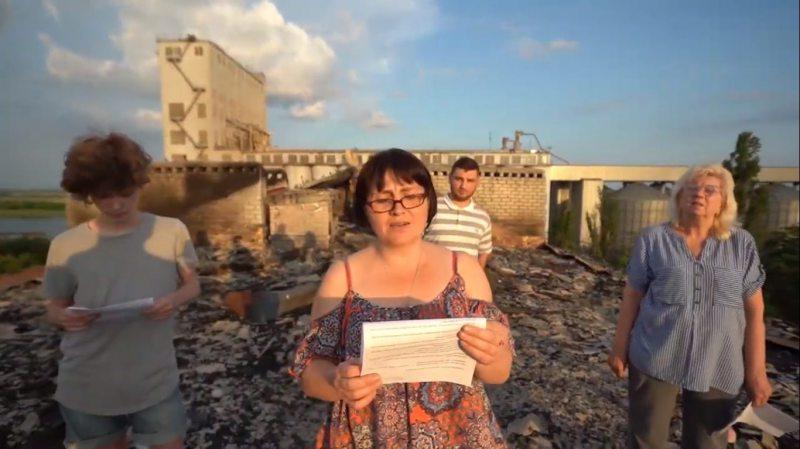 Мешканці Херсона, у яких під час пожежі згорів дах будинку, звернулися про допомогу до депутатів