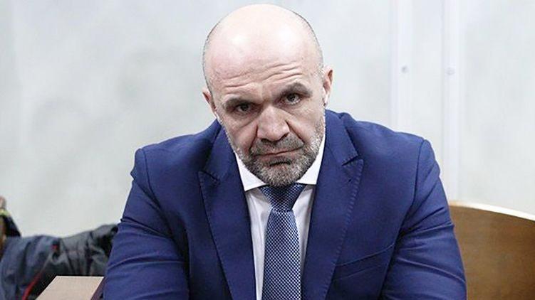 Владислава Мангера другу добу катують голодом