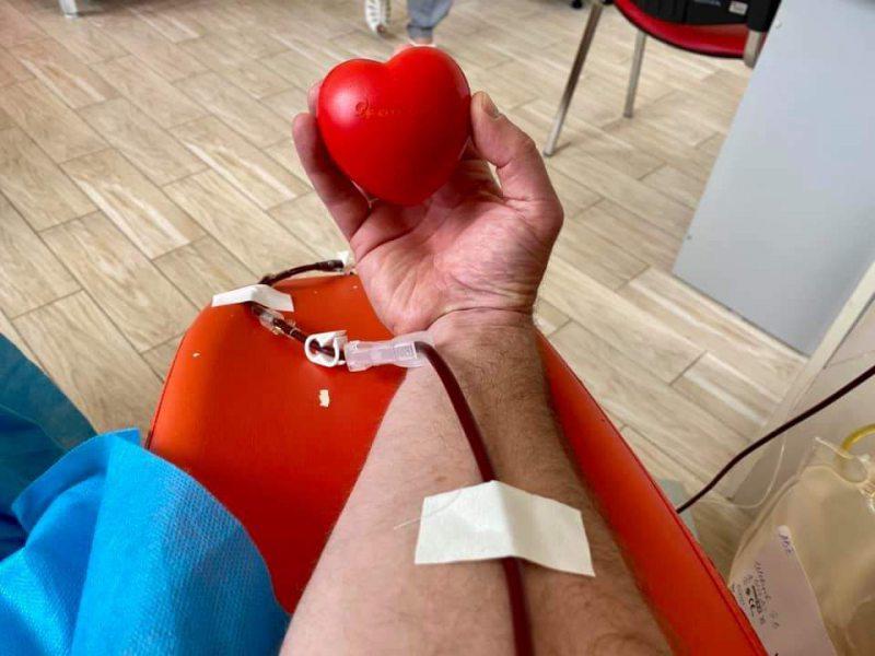 У Херсоні можна здати кров та отримати смартфон