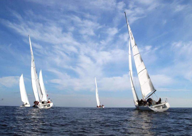В Херсон прибудет эскадра из 20 крейсерских яхт