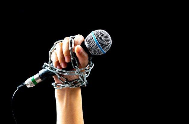 Херсонська обласна державна адміністрація виправдовується перед журналістами