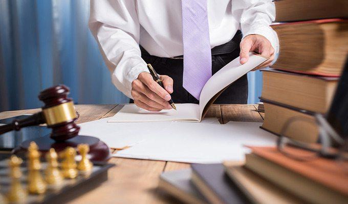 "Топ-менеджер ""Чумака"" использует адвокатский статус во вред клиенту?"