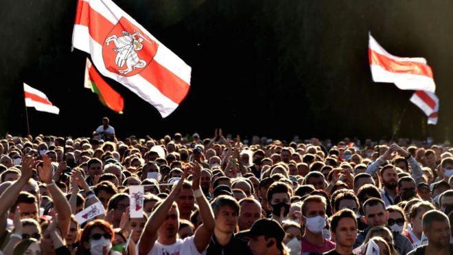 Білоруська опозиція провела рекордний мітинг проти Лукашенка в Мінську