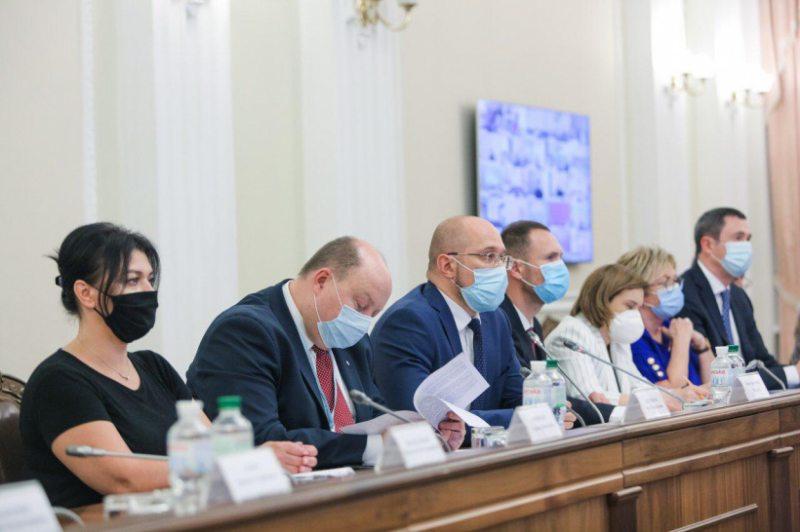 Навчальний рік по всій території України розпочнеться вчасно, – прем'єр-міністр