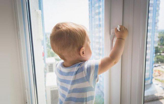 У Херсоні 5-річний хлопчик вижив після падіння з третього поверху