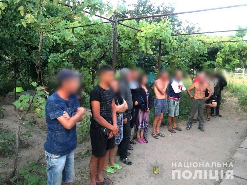 Житель Скадовського району тримав у рабстві 13 заробітчан