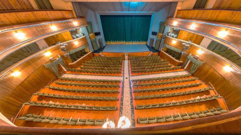 Херсонський театр після карантину відкриває велику сцену