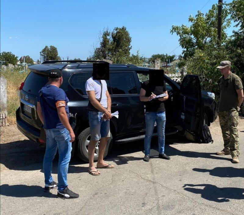 На Херсонщині викрито поліцейського на збуті наркотиків