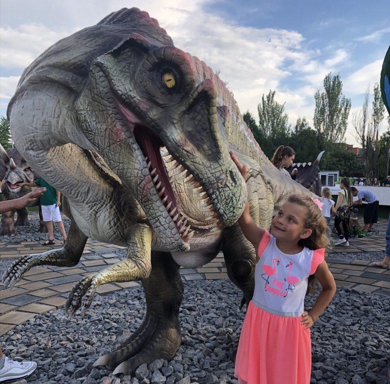 Херсонский «Парк Юрского периода» привлекает тысячи туристов со всей Украины