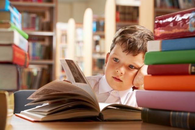 Херсонщина в аутсайдерах щодо забезпечення школярів підручниками