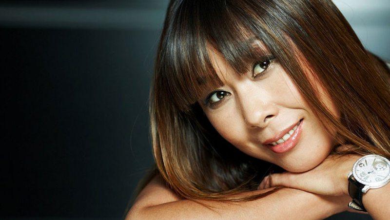 Певица Анита Цой ищет личного повора