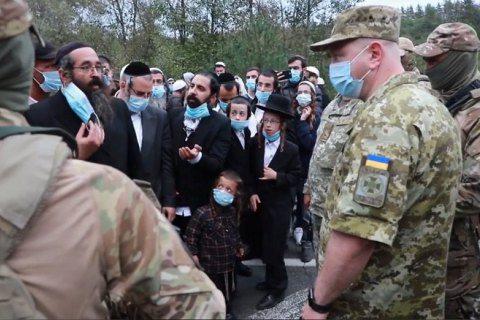 Кілька сотень хасидів намагаються потрапити в Україну з Білорусі, на лініях кордону очікують прибуття ще 4000