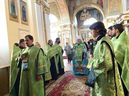 Митрополит Херсонский и Таврический Иоанн совершил акафист у мощей преподобного Варсонофия Херсонского